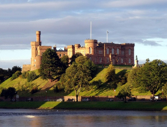 580 Inverness_Castle_and_River_Ness_Inverness_Scotland_-_conner395